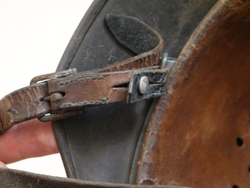 La jugulaire du casque allemand P1030018