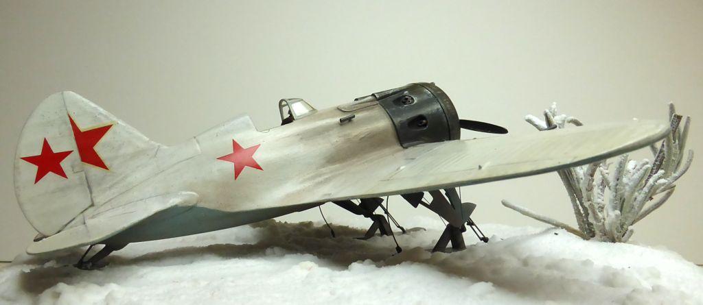 [eduard] Polikarpov  I-16 type 10 - Page 3 Polik102