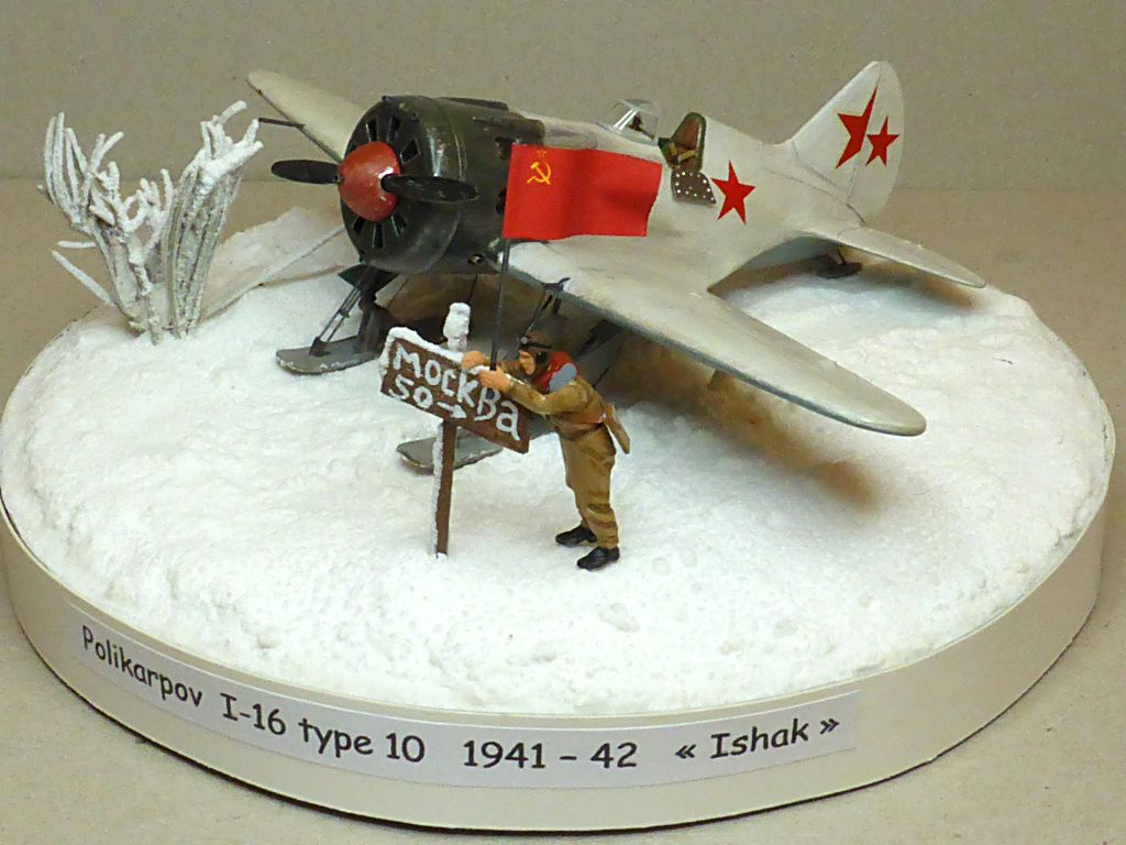 [eduard] Polikarpov  I-16 type 10 - Page 4 Polik104