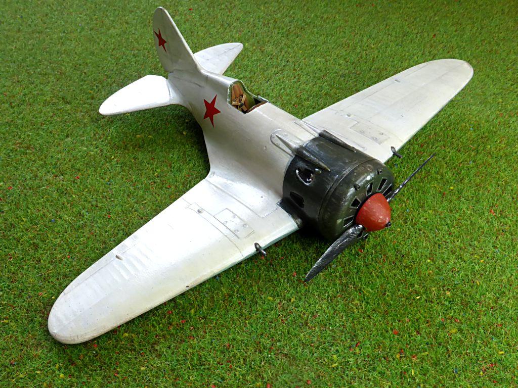 [eduard] Polikarpov  I-16 type 10 - Page 2 Polika59