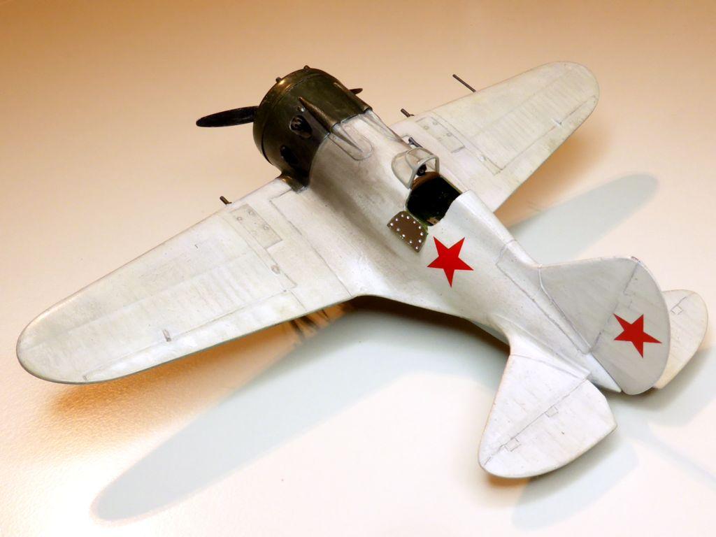 [eduard] Polikarpov  I-16 type 10 - Page 3 Polika71