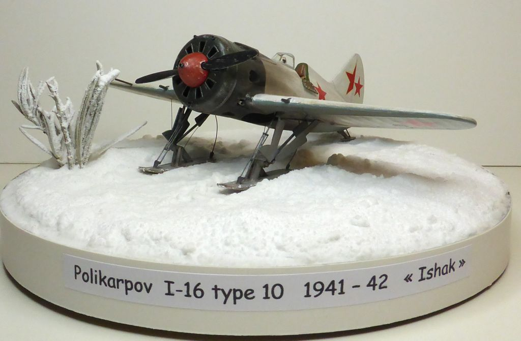 [eduard] Polikarpov  I-16 type 10 - Page 3 Polika95