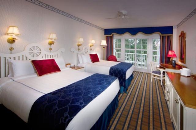 Les hotels de WDW. - Page 12 Yacht_11