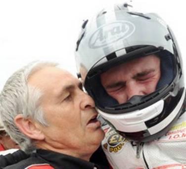 [Road Racing] TT 2015 - Page 3 Michae10