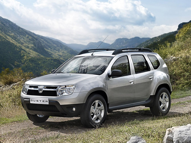 L'armée Francaise remplace ses 4X4 Peugeot par du Ford. Dacia-10