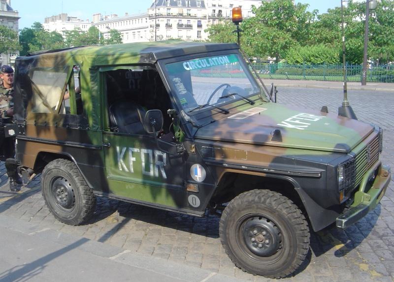 L'armée Francaise remplace ses 4X4 Peugeot par du Ford. Peugeo11