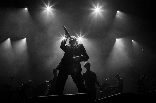 CHRISTINE & THE QUEENS - Queen of Pop. - Page 7 Poip10