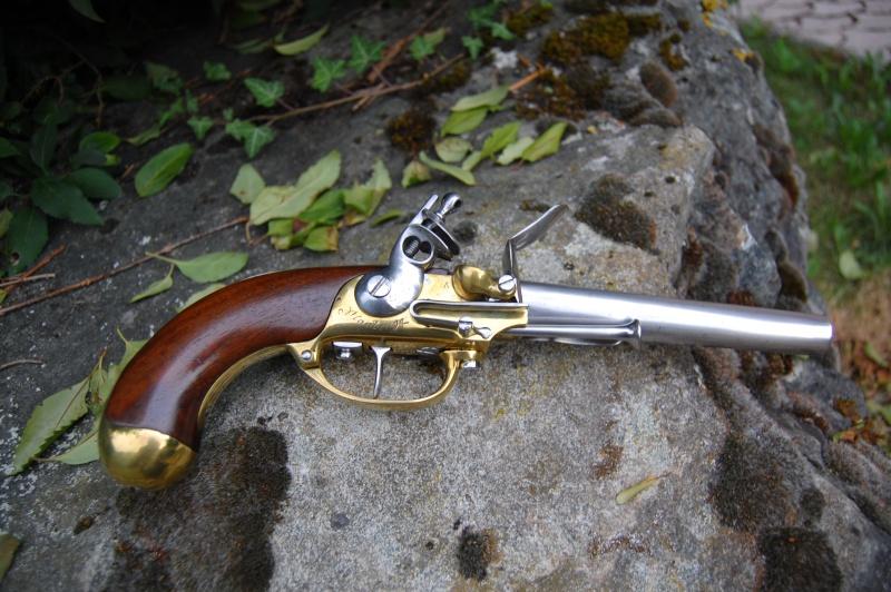 une arme courante mais sympathique le pistolet 1777 Dsc_0412