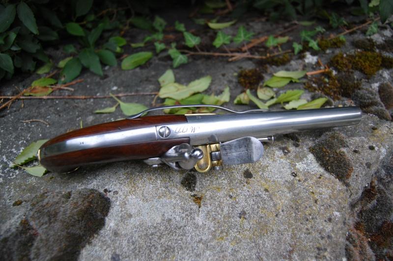 une arme courante mais sympathique le pistolet 1777 Dsc_0413