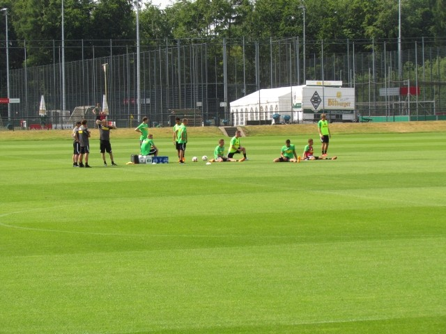 Trainingsauftakt der Saison 2015/2016... Img_8320