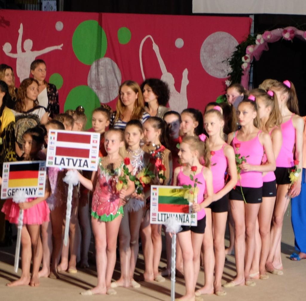 Summer Trophy 2015 (Italy) -   выступления и отдых - Страница 4 E10