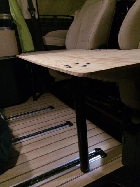 Couchage supplémentaire sur sièges avant Img_0712