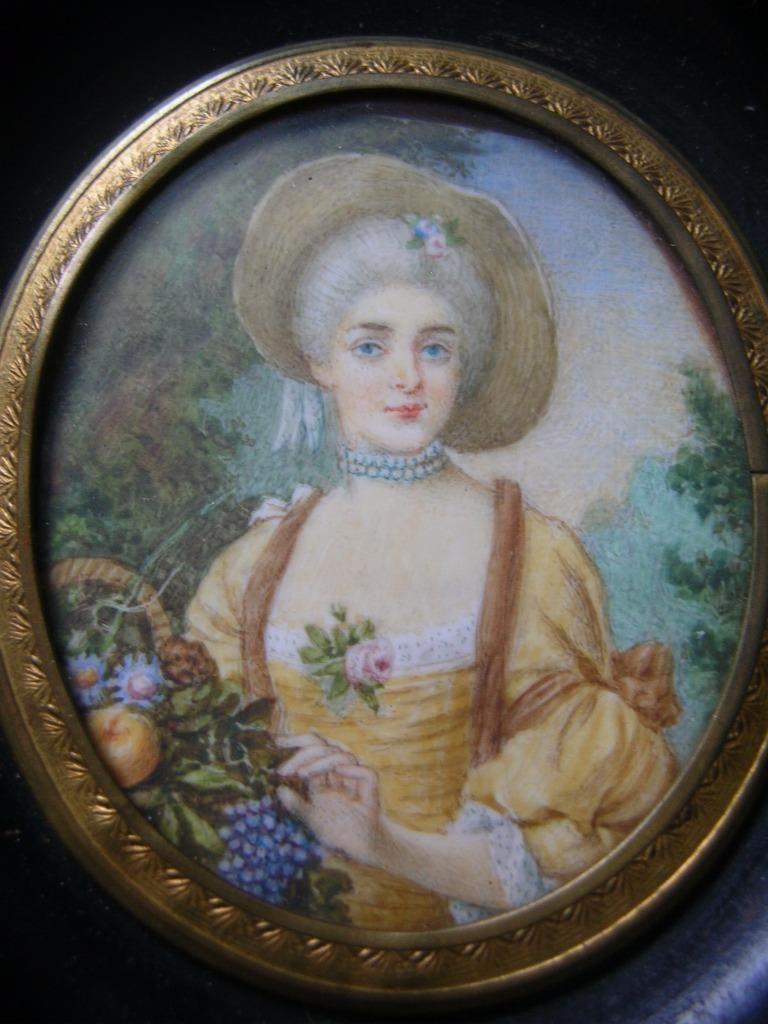 A vendre: miniatures de Marie Antoinette? - Page 3 Zz11