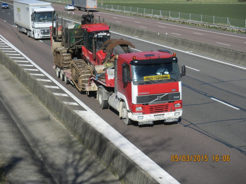 Transports de tracteurs forestier - Page 2 Img_1839