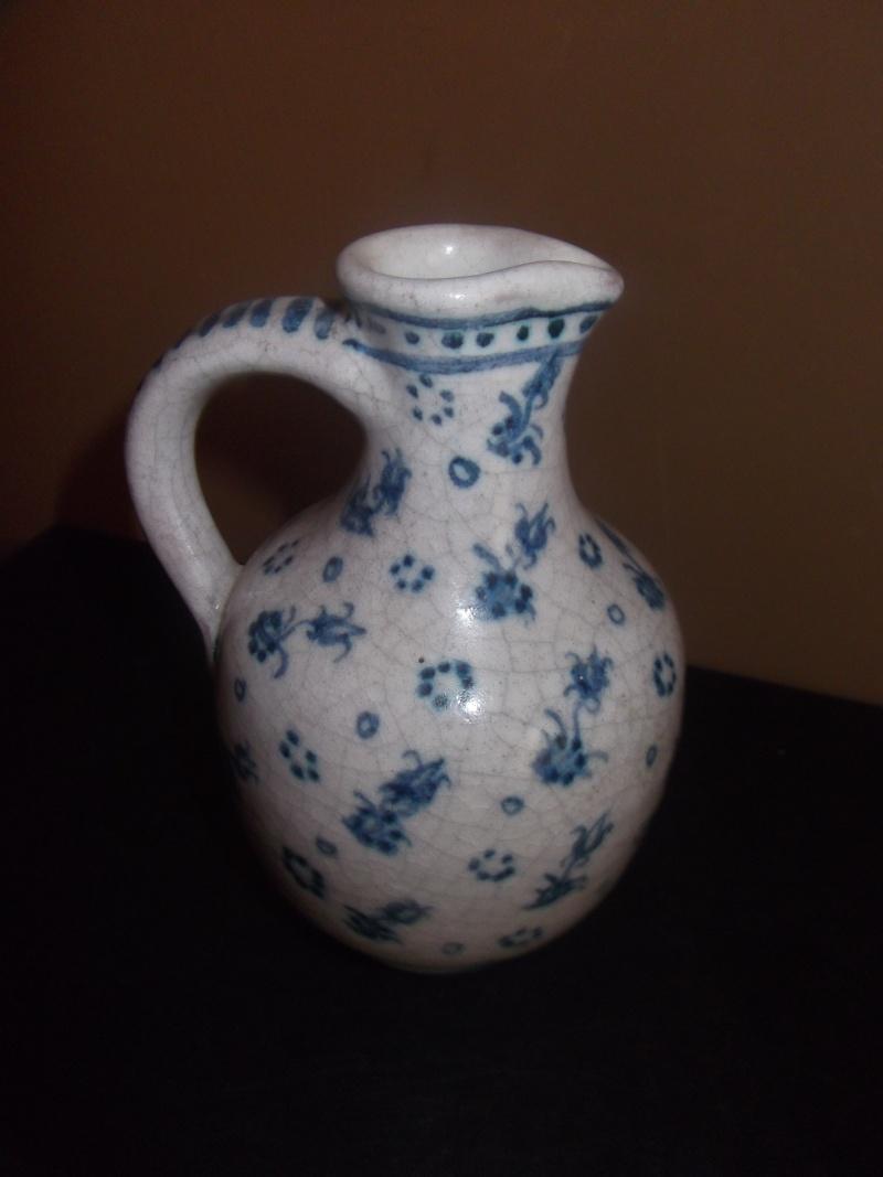small unmarked jug Dscf5013