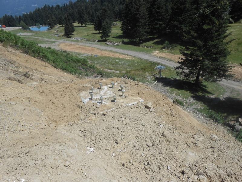 Construction du télésiège fixe 4 places (TSF4) Sapins Dscn3130