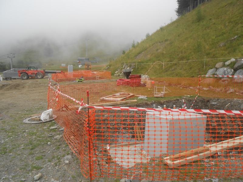 Construction du télésiège débrayable 6 places (TSD6) du Céciré Dscn3217