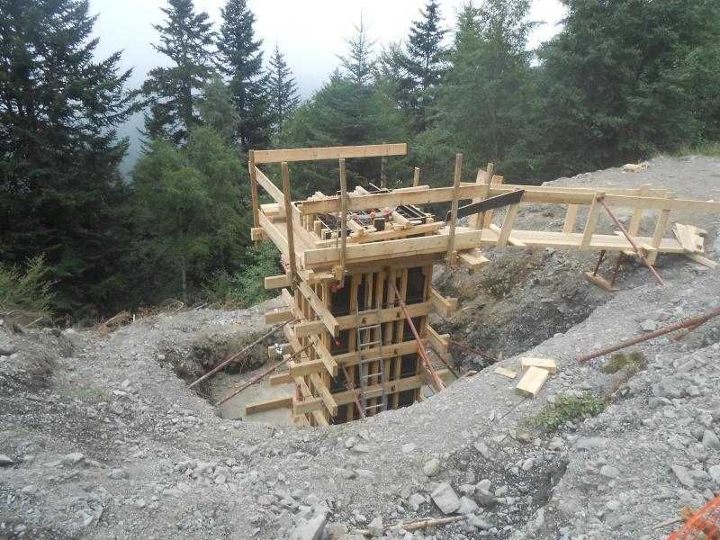 Construction du télésiège débrayable 6 places (TSD6) du Céciré Dscn3218