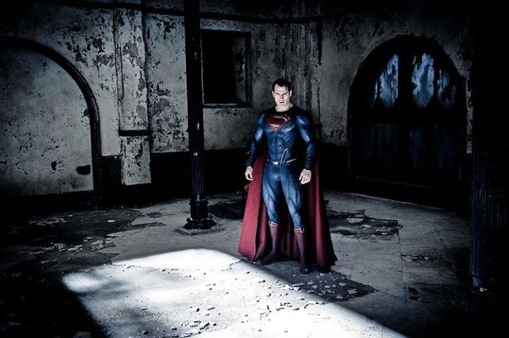 [Trailers Officiels] Batman v Superman : Dawn of Justice  - Page 2 11800410
