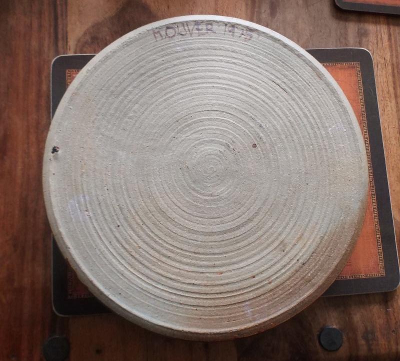 Stoneware Dish Signed M.Oliver 1975 Dscf4712