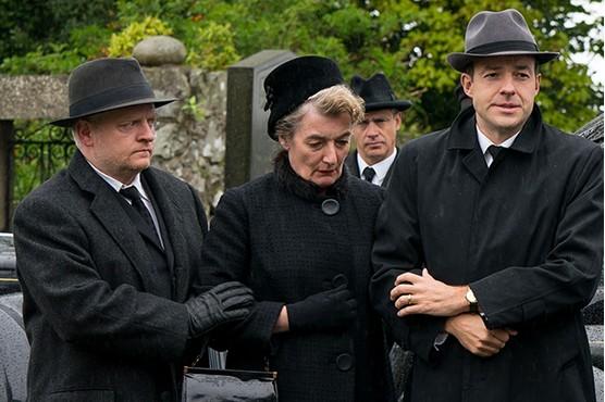 Mrs Wilson avec Ruth Wilson (BBC et PBS) Elizab10