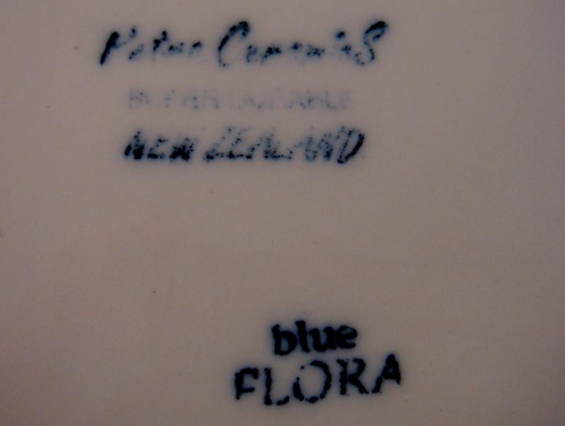 Petra Ceramics Huge Blue Flora platter Dsc06114