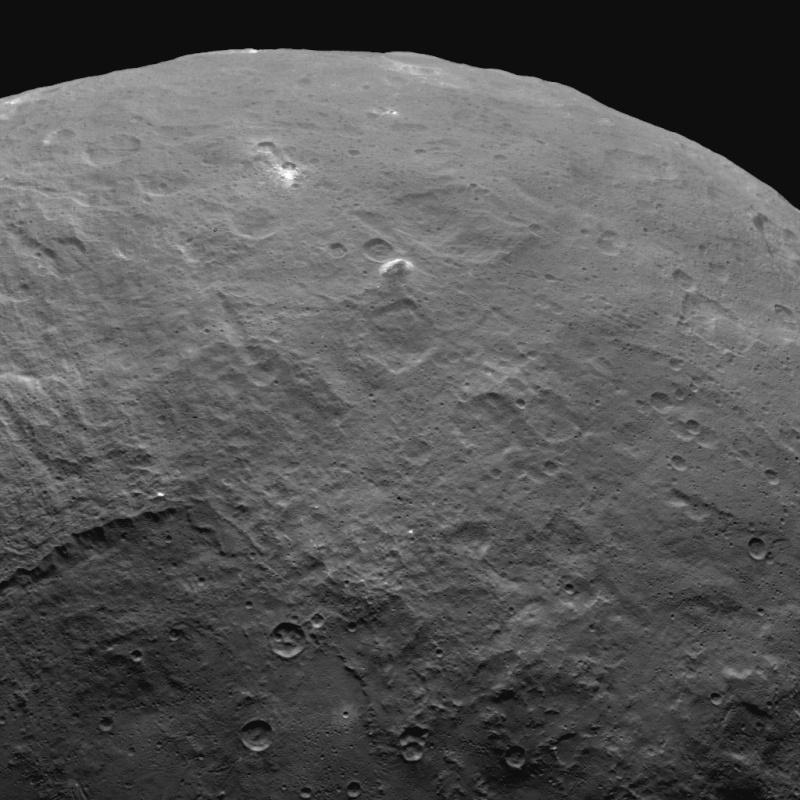 Incongruité ou OVNI du système solaire ? - Page 31 Pia19615