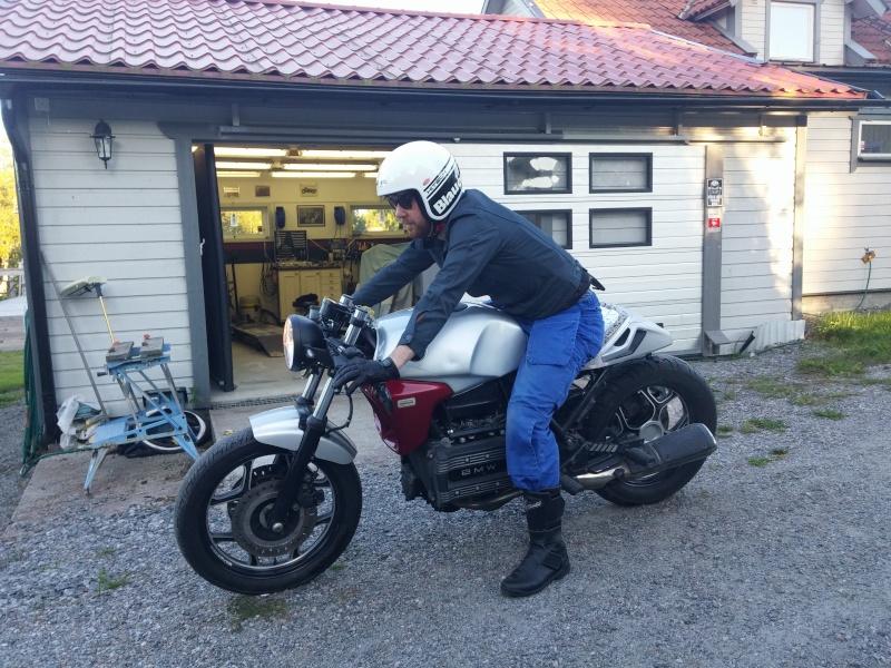 BMW K75 goes cafe racer 20150815