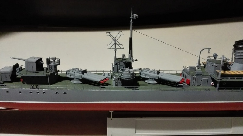 Destroyer Former Soviet Courageous a 1/200 de Trumpeter  Img_2074