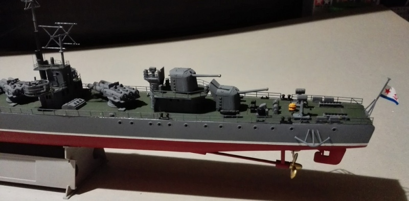 Destroyer Former Soviet Courageous a 1/200 de Trumpeter  Img_2084