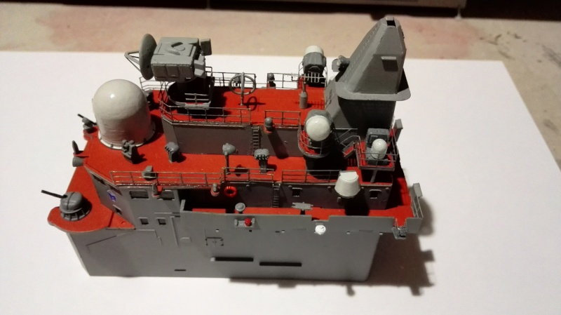 Sovremmeny Class Destroyer Type 956E a 1/200 de Trumpeter Ref.3613 Img_2088