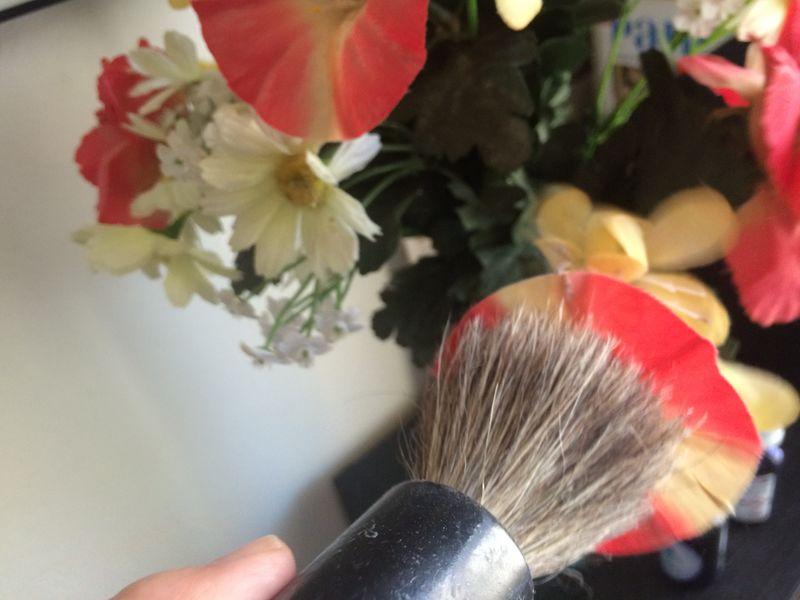 Recycler les blaireaux/ brosses usagés : les bonnes trouvailles ! Img_4612