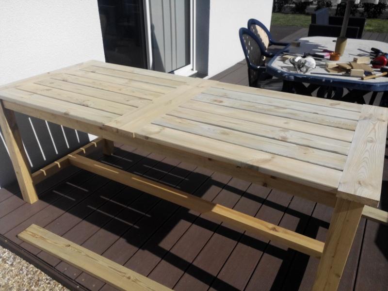 Réalisation d'une table de jardin - Page 2 Img_2022