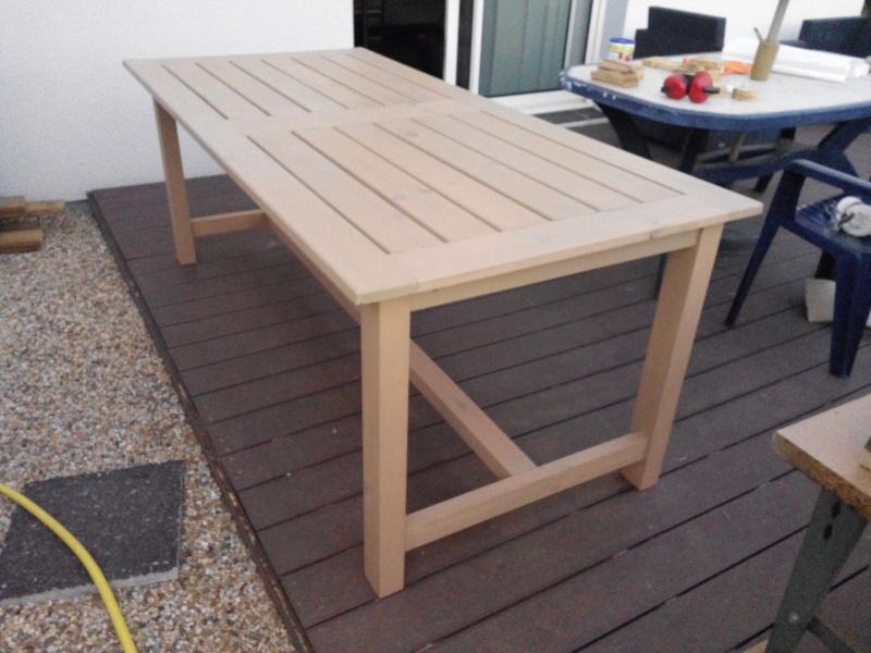 Réalisation d'une table de jardin - Page 2 Img_2028
