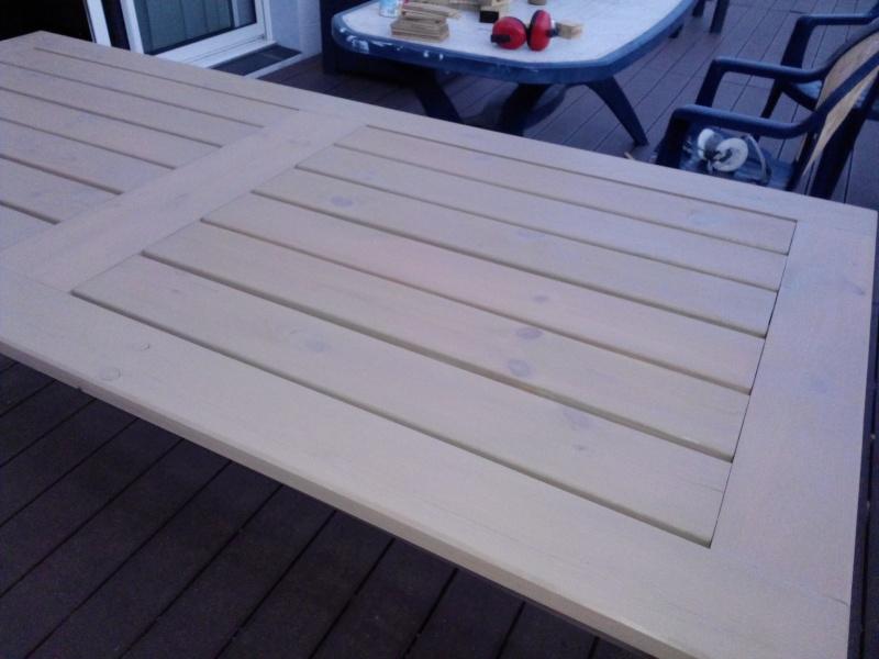 Réalisation d'une table de jardin - Page 2 Img_2029