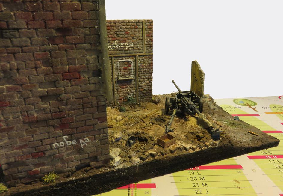 Mur d'usine _ Stalingrad  Septembre 42 _ Victoire __1/35 - Page 3 15072713