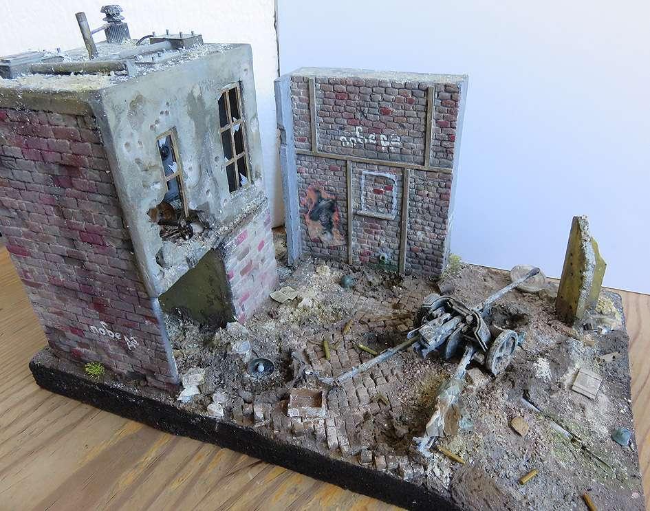 Mur d'usine _ Stalingrad  Septembre 42 _ Victoire __1/35 - Page 3 15080212