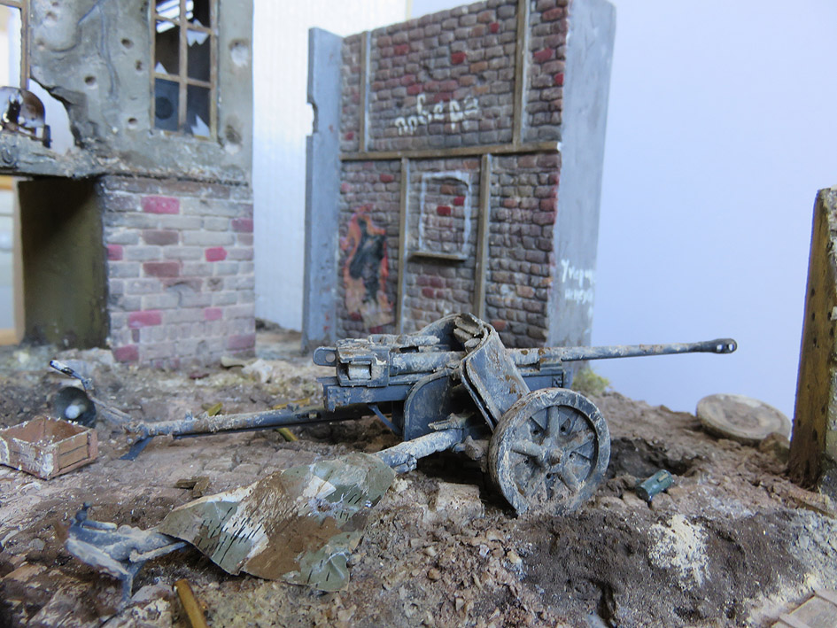 Mur d'usine _ Stalingrad  Septembre 42 _ Victoire __1/35 - Page 3 15080213