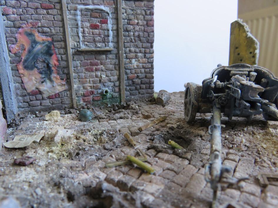 Mur d'usine _ Stalingrad  Septembre 42 _ Victoire __1/35 - Page 3 15080214