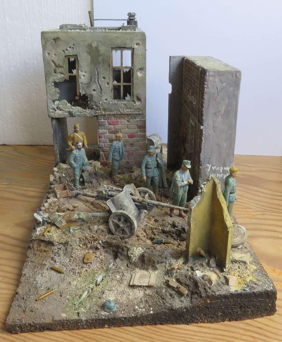 Mur d'usine _ Stalingrad  Septembre 42 _ Victoire __1/35 - Page 4 15080411