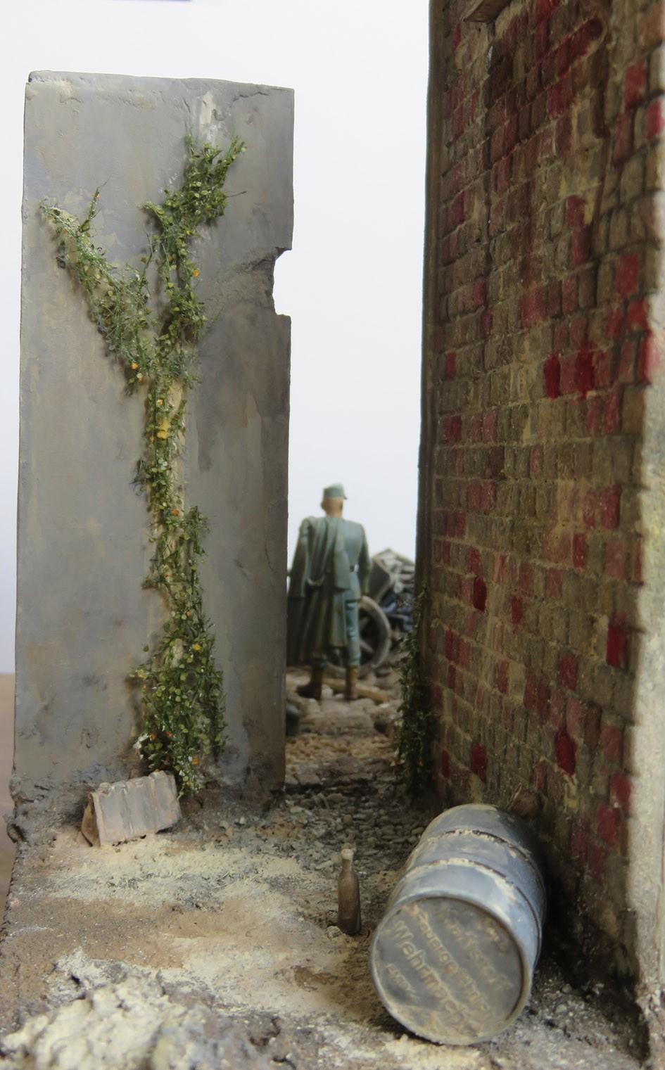Mur d'usine _ Stalingrad  Septembre 42 _ Victoire __1/35 - Page 4 15080412