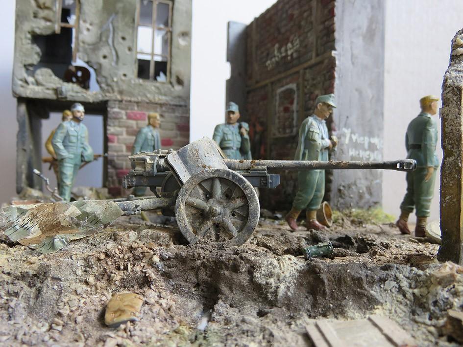Mur d'usine _ Stalingrad  Septembre 42 _ Victoire __1/35 - Page 4 15080416