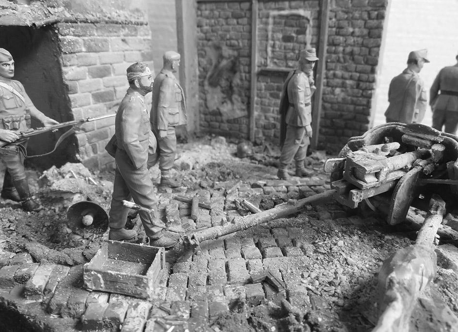Mur d'usine _ Stalingrad  Septembre 42 _ Victoire __1/35 - Page 4 15080418