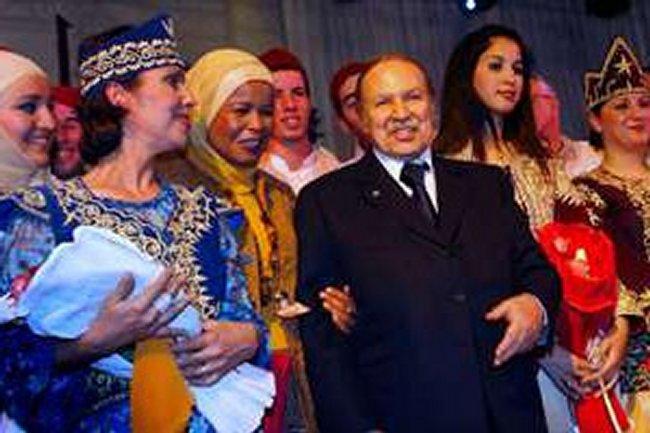 Mr Bouteflika le Maskhoute de son pays sauveteur Femmme10