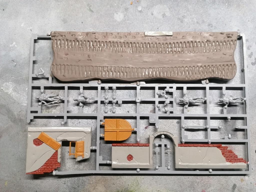 [REVELL] Char B1.Bis et RENAULT FT-17 1/76ème Réf 03278 Img_2044