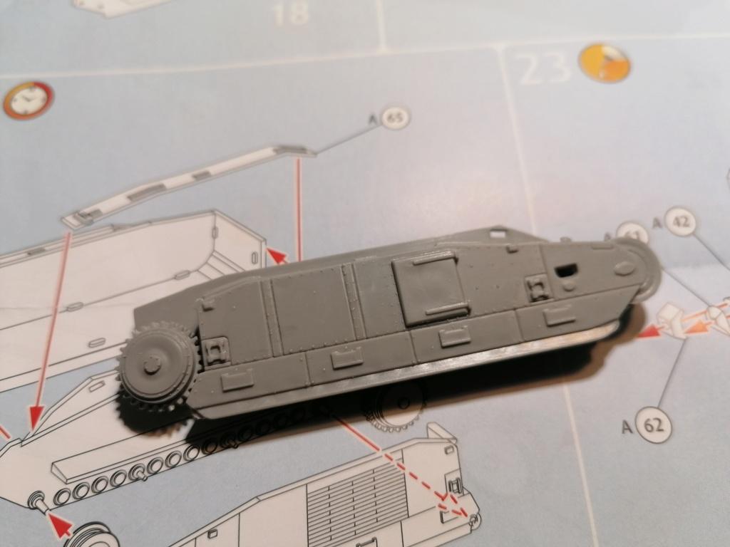 [REVELL] Char B1.Bis et RENAULT FT-17 1/76ème Réf 03278 Img_2048