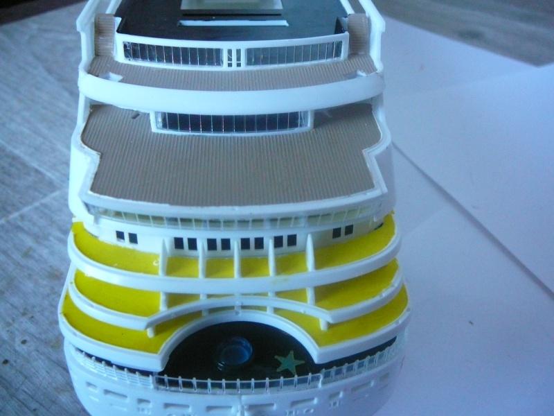 cruiser ship AIDA revell au 1/400 - Page 2 Aida2410
