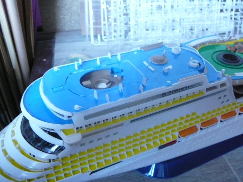 cruiser ship AIDA revell au 1/400 - Page 2 Aida3010