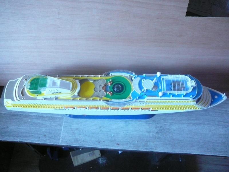 cruiser ship AIDA revell au 1/400 - Page 2 Aida3310