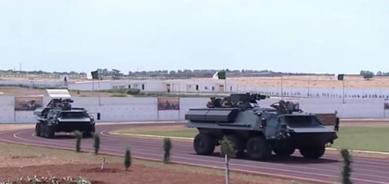 الصناعة العسكرية الجزائرية ... مدرعات ( فوكس 2 ) - صفحة 3 Yuk10